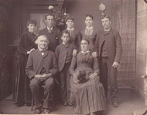 Joseph and Helen Watts with Henry Watts family2.jpg